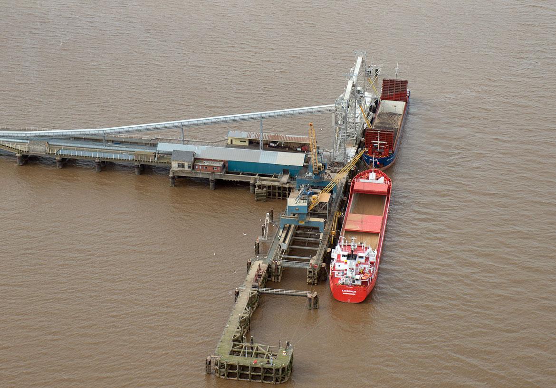 New Holland Bulk Services - Filling Ships